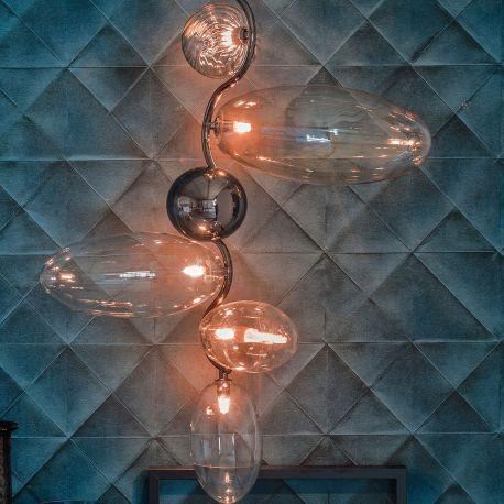 Lámpara Topaz de acero negro con vidrio transparente.