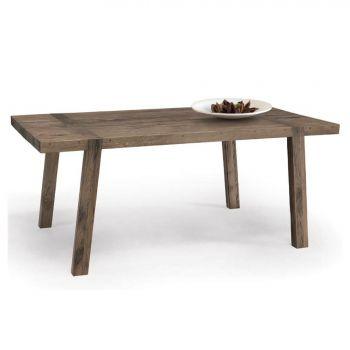 Cortina, mesa en madera de lo más natural