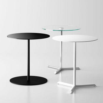 Mill, mesa auxiliar minimalista, es perfecta para una cena de sofá y tele