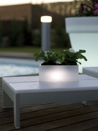 Jardinera miniatura colección Nano LEDs de Vondom