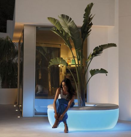 Macetero Isla  Vases de Vondom con luz