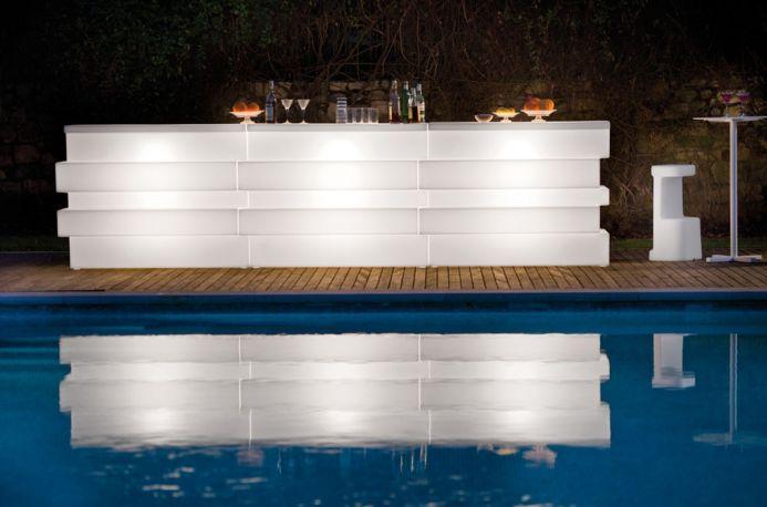 Barra con luz exterior Tetris de Pedrali
