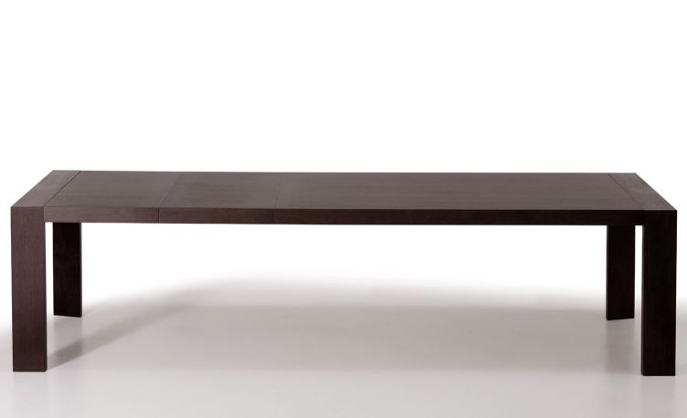 Mesa extensible Surface. Pedrali. En roble teñido wengué.