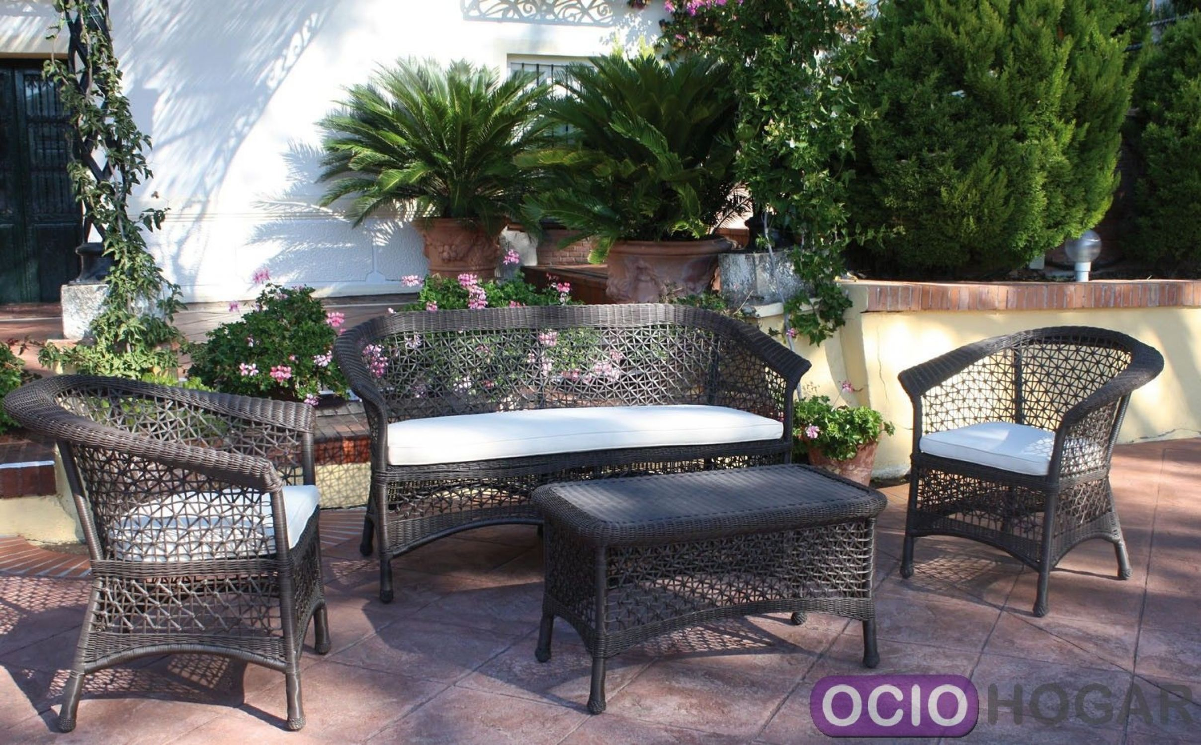 Sof y mesa de jard n bayamo majestic garden for Conjunto jardin fibra sintetica