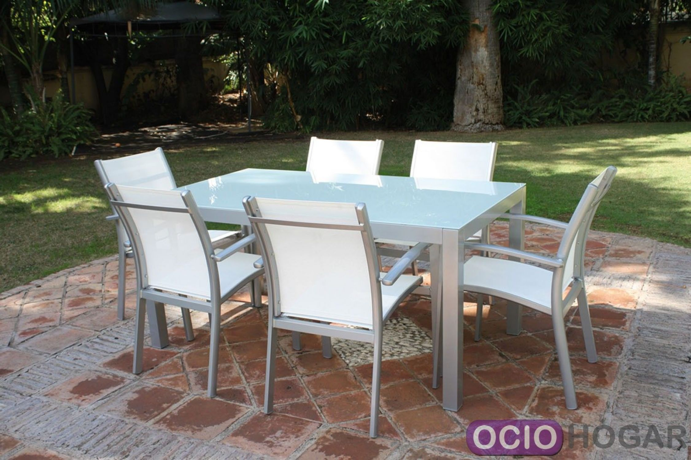 Mesa y sillas de jard n c diz majestic garden muebles de for Sillones de jardin
