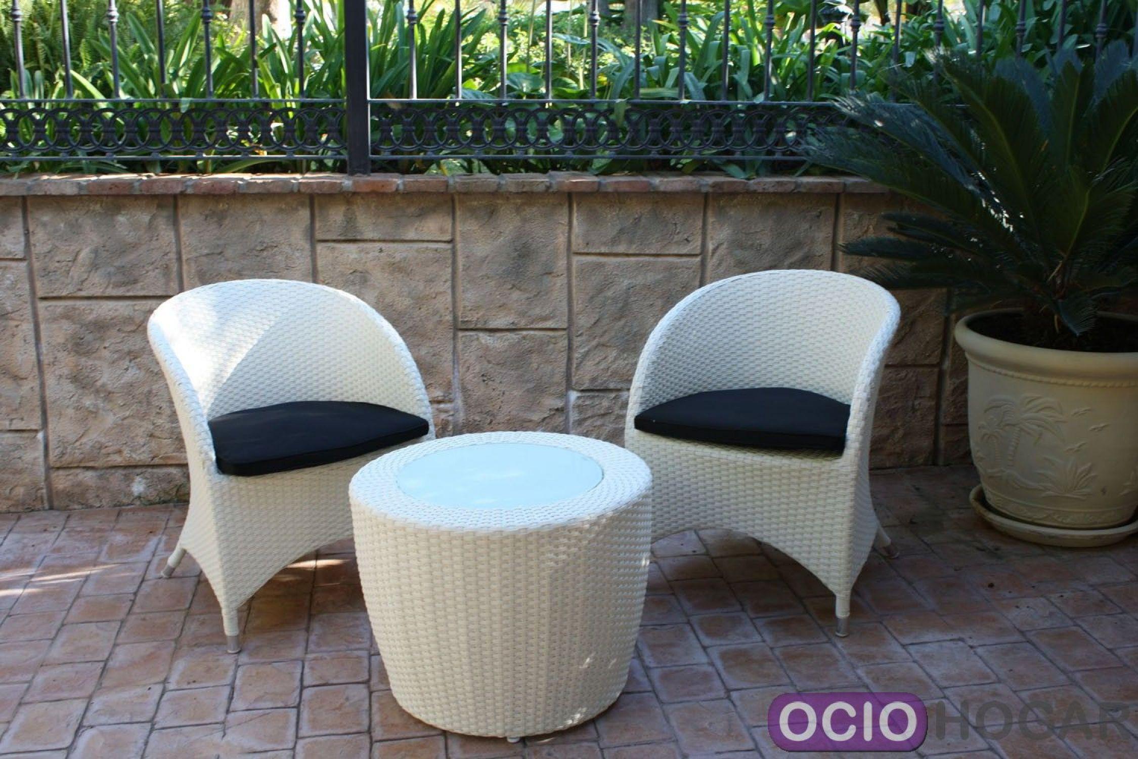 Pin mesa y sillones de jard n on pinterest for Sillones para jardin baratos