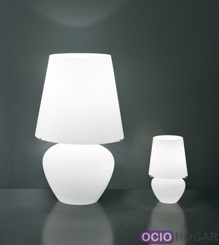 L mpara de mesa naxos de vistosi iluminaci n de lujo for Lamparas de mesa de diseno