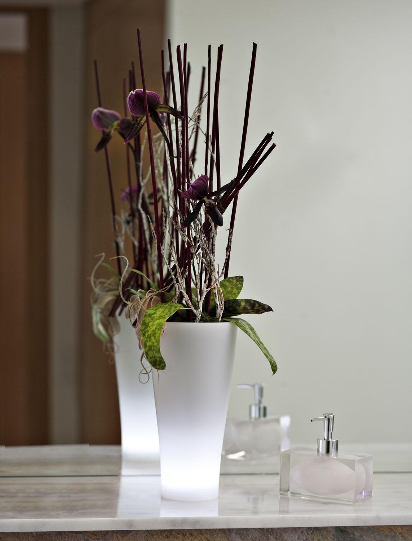 Macetas decorativas y macetas con luz de vondom for Macetas miniatura