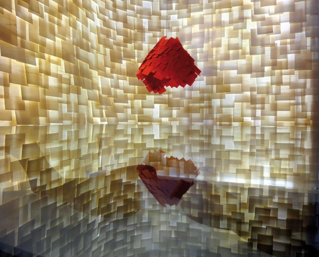 Lámpara Armadillo en madera natural Roja