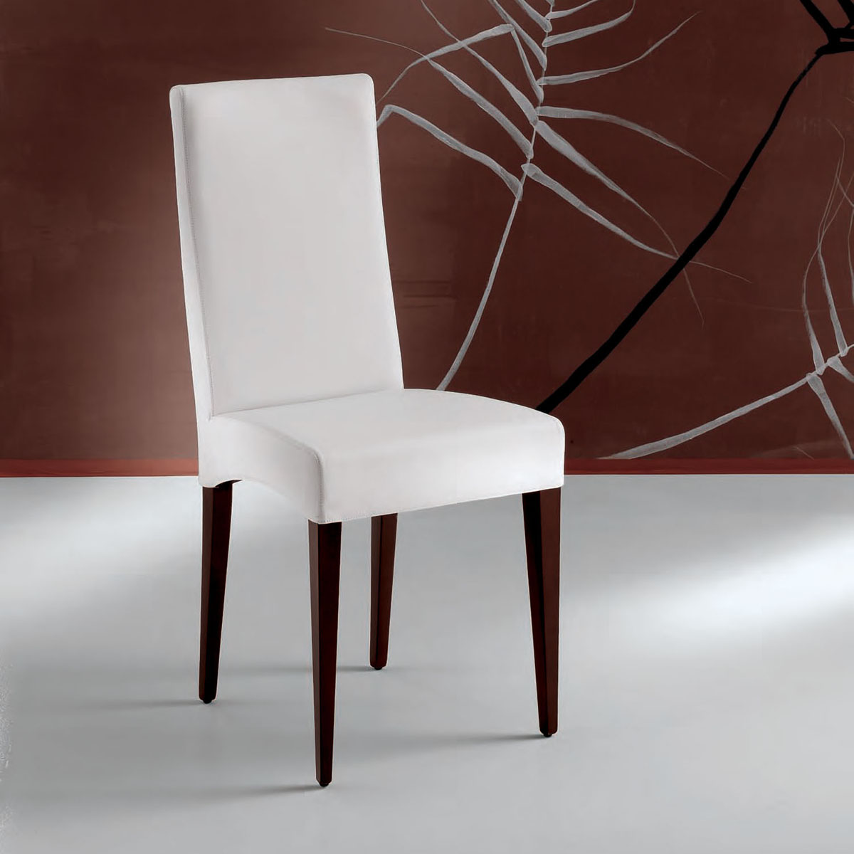 Sillas de piel sillas de comedor tapizadas for Sillas de cuero para comedor