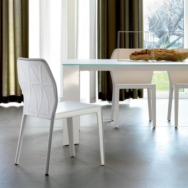 Nuevas sillas de comedor presentadas por cattelan italia for Sillas nuevas para comedor