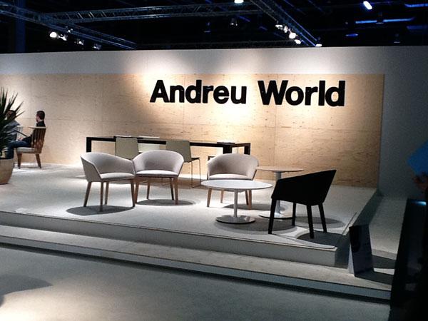Showroom sillas de comedor de Andreu World en Hábitat 2012