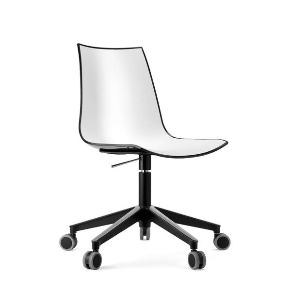 Sillas modernas con ruedas para oficinas y despachos for Silla oficina moderna