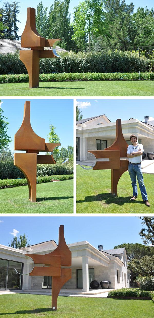 Escultura Media Luna de Gonzalo de Salas