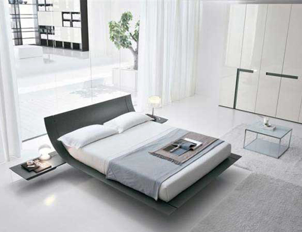 Combinación de luz natural y luz artificial en el dormitorio