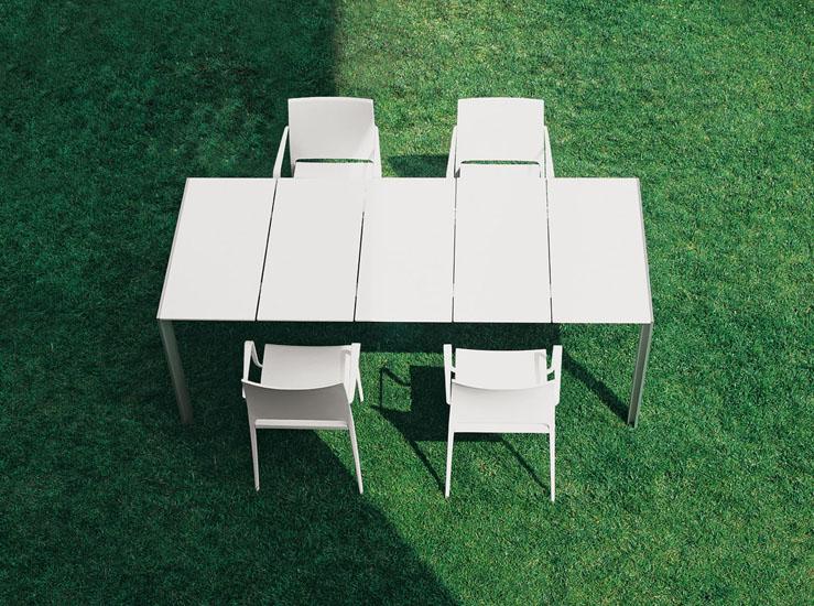 Muebles de jard n muebles para exterior entra y - Muebles de resina para exterior ...