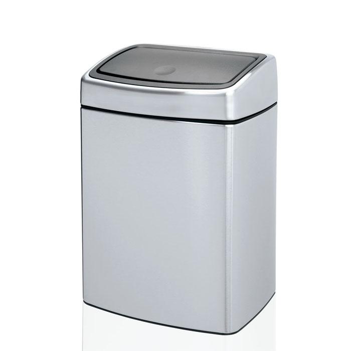 Cubos de basura y desperdicios
