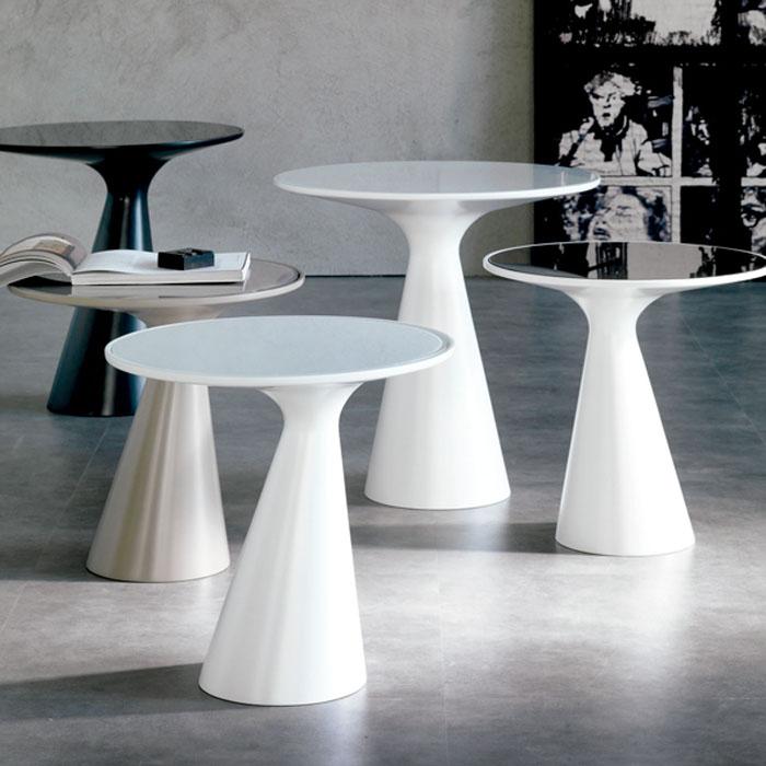 Mesas auxiliares de diseño moderno